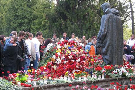 The Bronze Soldier in Tallinn, Estonia. Source: Press Photo
