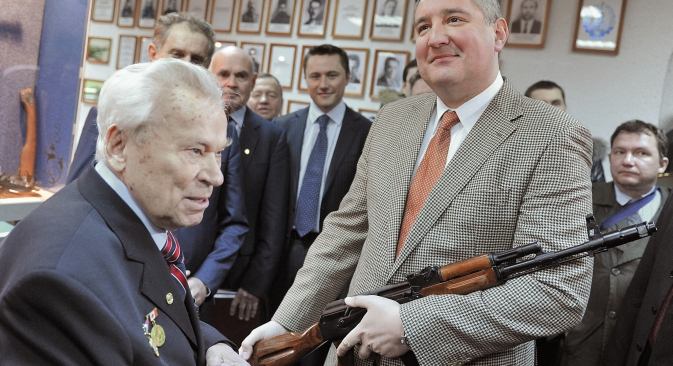 Head of the Defense Industry Commission Dmitry Rogozin (pictured right) argues that the establishment of the new Russian arms company may reduce unlicensed production of Russian assault rifles in Eastern Europe. Source: RIA Novosti / Ruslan Krivobok