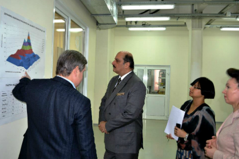 India's ambassador to Moscow, Ajai Malhotra paid a five-day visit to the cities of Novosibirsk and Akademgorodok. Source: Press Photo