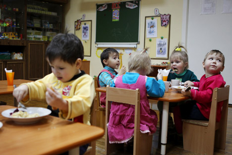 After banning adoptions of Russian children for U.S. families the Russian authorities step up their efforts to address the orphanage standoff. Pictured: Russian children in an orphanage in Veliky Novgorod. Source: RIA Novosti / Konstantin Chalabov
