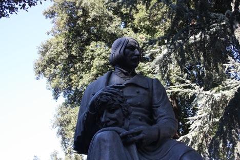 Statue of Nicholai Gogol in Rome's Villa Borghese. Source: Ajay Kamalakaran