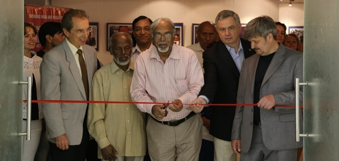 Maxim Pridanov (extreme right) at the inauguration of his exhibition in New Delhi. Source: Alexander Tomas