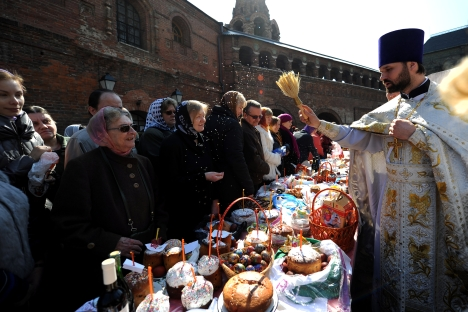 Easter signifies not only a holy time but the beginning of the spring after long winter. Source: AFP / East news
