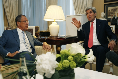 U.S. Secretary of State John Kerry, right, meets with Russian Foreign Minister Sergei Lavrov, Monday, May 27, 2013, in Paris. Source: AP