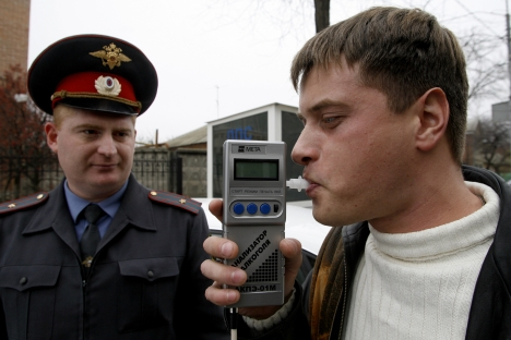 Some believe that many tests are to be made to ensure the opinion of the driver's condition be honest and impartial. Drunkometers (photo) alone are not good enough. Source: ITAR-TASS