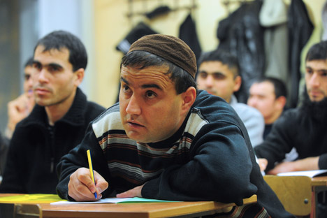 Many new immigrants from Central Asia learn Russian at special centres. Source: ITAR-TASS