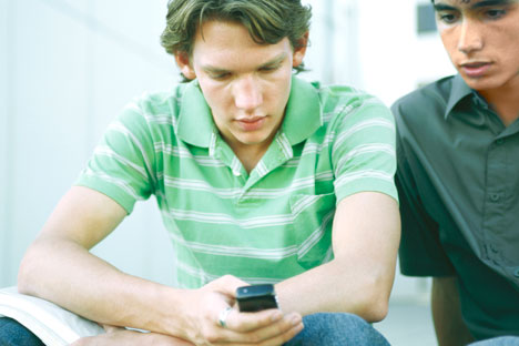 Gadgets seem to be the main mode of communication for young people. Source: Getty images / Fotobank
