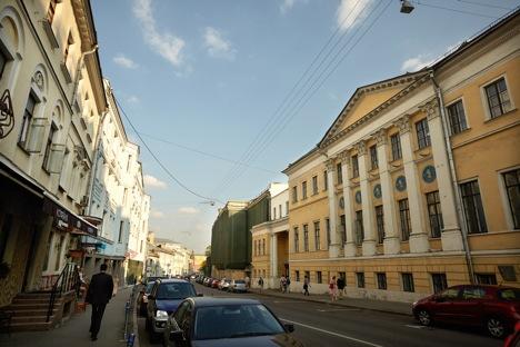 Bolshaya Nikitskaya Street, the site of the Moscow Conservatory where Pasternak entered in 1908 after finishing grammar school. Source: Elena Pochetova