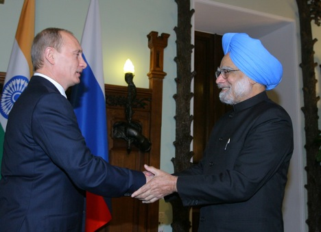 Vladimir Putin has a good relationship with Manmohan Singh. Source: Konstantin Zavarzhin / RG