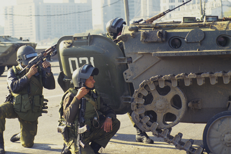"The constitutional crisis of 1993. Soldiers of the special units ""Alfa"" and ""Vympel"" near House of Soviets of Russian Federation. Source: Vladimir Vyatkin / RIA Novosti"