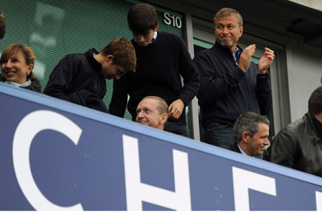 Roman Abramovich remains the owner of London's Chelsea FC, where he spent more than £120 million ($185 million) in the first season following acquisition of the club. At the same time, according to Forbes Magazine, the businessman has refused to fund the preparations for the 2018 FIFA World Cup to be held in Russia. Source: Reuters/Vostock Photo