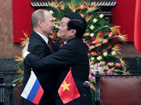Russian President Vladimir Putin (L) and Vietnamese President Truong Tan Sang during Russian President's one-day official visit to Vietnam on November 12, 2013. Source: Konstantin Zavrazhin/RG