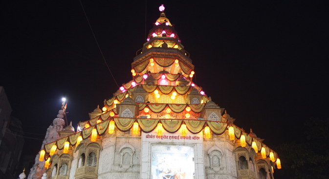Diwali decorations at the Shiva and Parvathi temple in Pune. Source: RIR