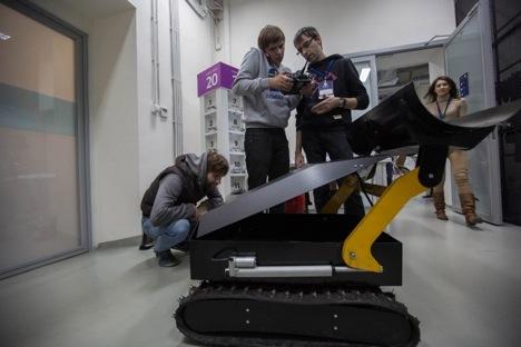 The OMI-Plowv snowplough robot. Source: Press Photo