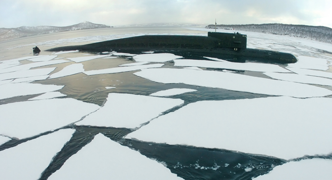 Current submarine design does not allow the ship to break the ice to emerge quickly without damage to the housing. Source: RIA Novosti