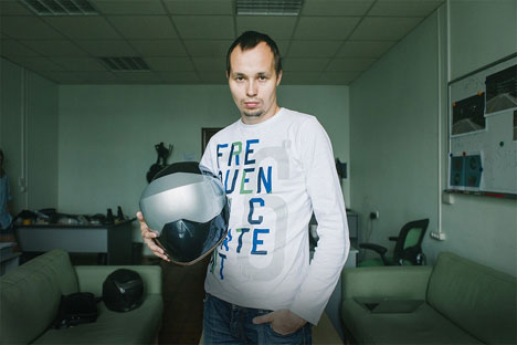 LiveMap CEO Andrei Artishchev with his navigation Motohelmet: Source: Press Photo
