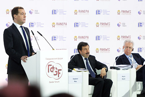 Russian Prime Minister Dmitry Medvedev (L) announced the package at the Gaidar Economic Forum in January. Source: ITAR-TASS