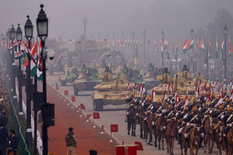 Indian army soldiers display the military hardware during the Republic Day parade in New Delhi on January 26, 2014. Source: AP