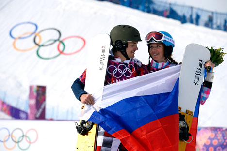 Alena Zavarzina and Vic Wilde, who brought three medals to the Russian team, signed a contract with the Raketa Watch Factory. Source: Reuters