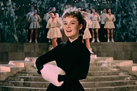 The Carnival Night film brought fame to the actress Lyudmila Gurchenko. Source: Kinopoisk.ru