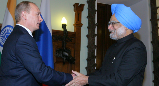Manmohan Singh and Vladimir Putin have enjoyed a close personal rapport. Source: Konstantin Zavarzhin / RG