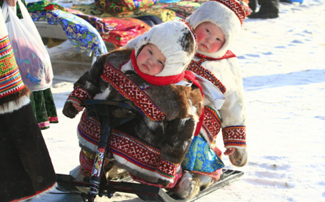 One can live with reindeer herders in a camp of native peoples of the north. Source: Andrey Raskin