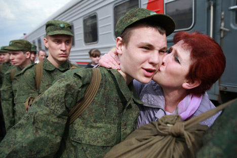 While parents used to try to the bitter end to keep their son from going into the army, now, according to a recent poll, every other respondent wanted their immediate family members to serve. Source: ITAR-TASS