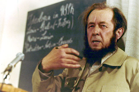 Alexander Solzhenitsyn gives his first news conference in the West since being expelled from Russia, calling for a campaign of passive resistance to Communist rule and ideology, at his home in Zurich, in November 16, 1974. Source: AP