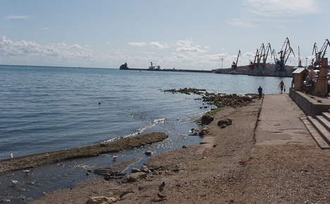 View of port of Feodosiya. Source: wikipedia