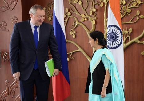Sushma Swaraj raised India's concerns about Russia's potential supply of Mi-35s to Pakistan. Source: RIA Novosti