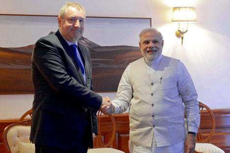 Deputy Prime Minister Dmitry Rogozin (left) at the meeting with Indian Prime Minister Narendra Modi during his working visit to India. Source: Sergey Mamontov / RIA Novosti