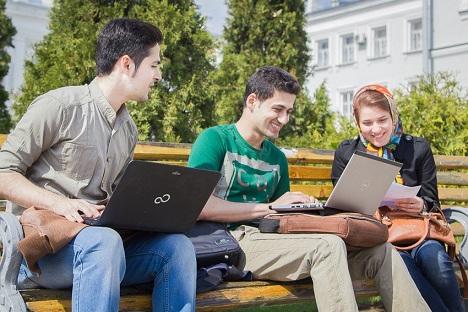 Iranian students in Kazan. Source: Inna Basyrova / Kazan Federal University