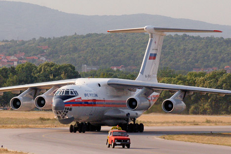 An Ilyushin Il-76 heavy transport airplane was used to airlift hospitalised Russian pilgrims from India. Source: Reuters / Vostok-Photo