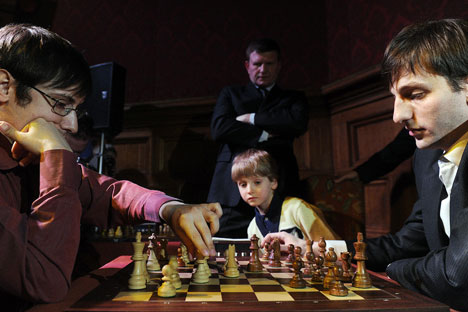 Russian grandmasters Dmitry Jakovenko (L) and Alexander Grischuk (R). Source: Itar-Tass