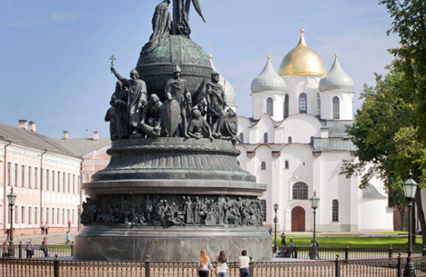 The Millennium of Russia monument was erected in Novgorod the Great in 1862. Source: Ricardo Marquina