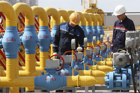 Two Russian experts discuss the ramifications of potential gas transit ban. Source: RIA Novosti