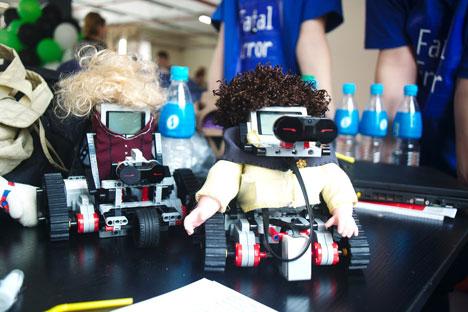 Robots made by Sergei Mun. Source: Press Photo