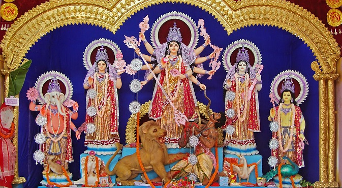 Durga sculpture from a pandal at West Bengal. Source: Joydeep / wikipedia.org