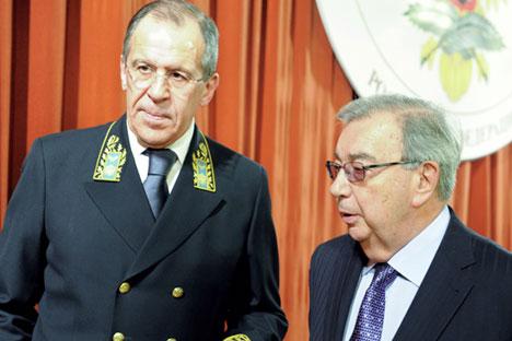 Sergey Lavrov (l) and  Yevgeny Primakov. Source: Eduard Pesov / RIA Novosti