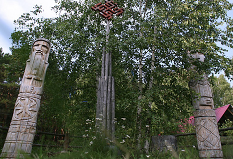 Totem poles in the village of Okunevo, the Omsk region. Source: Alberto Caspani