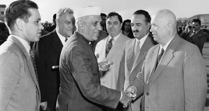 First Secretary of the Communist Party of the Soviet Union Nikita Khrushchev and Politburo members greet Jawaharlal Nehru at the Frunze Central Airport in Moscow. Source: TASS