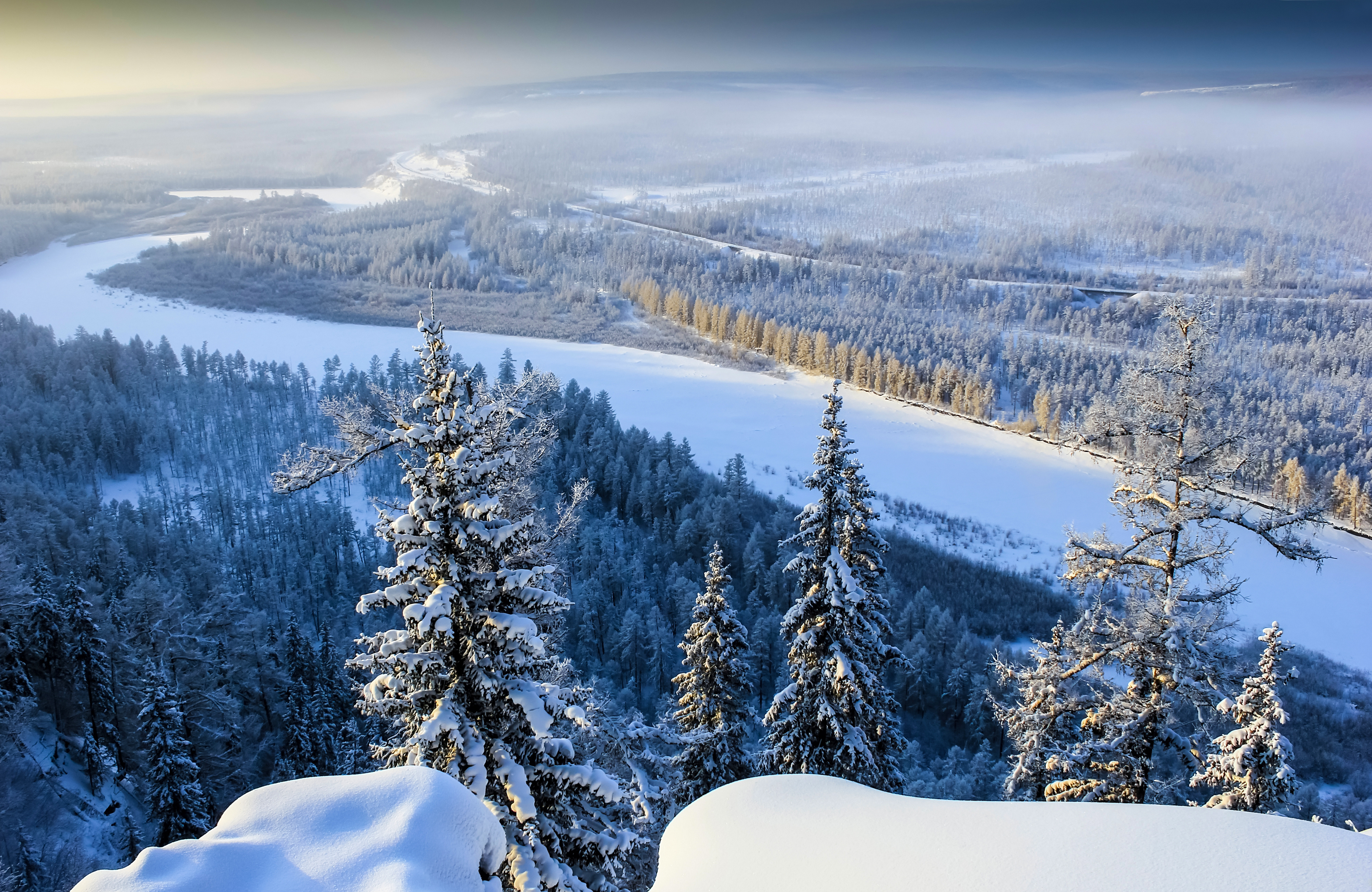A white blanket engulfs the forests and the landscapes. Source: Lori images