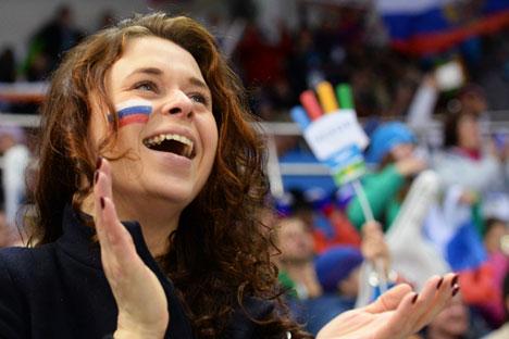 New polls show only slight decrease in Happiness Index since March 2014. Source: RIA Novosti/Alexey Malgavko