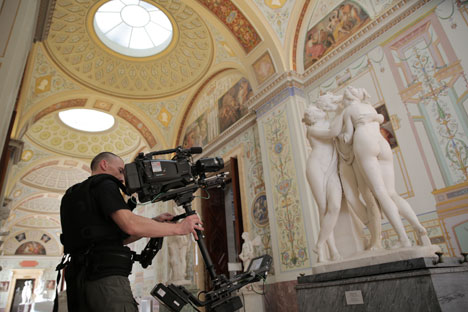 Filming Canova's The Three Graces. Source: Press photo
