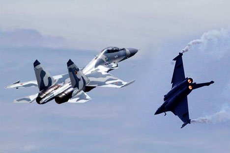 Su-30MKI and Rafale fighter. Collage by RIR