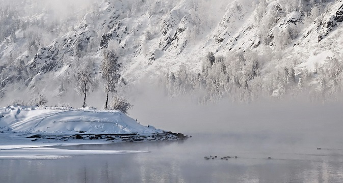 This small island lies in the Yenisei near the settlement of Divnogorsk. It is stunningly beautiful in any weather, especially if caught in good light. Source: Marina Fomina