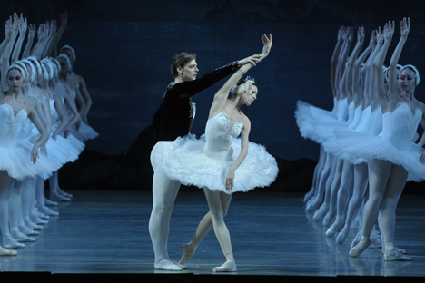 Tereshkina-Shklyarov solo part. Source: Valentin Baranovsky/Mariinsky Theater