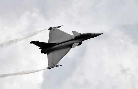 The main reason for the possible refusal of India to buy the Rafale has been the price of the entire deal. Source: Vitaly Kuzmin / wikipedia.org
