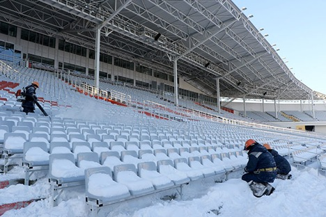 Accommodating capability of the Central Stadium in Yekaterinburg will be downsized from 45,000 to 35,000-seat capacity in line with the minimization of the construction costs. Source: Tatyana Andreeva / RG