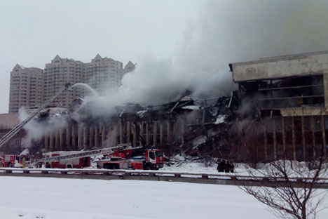 It took firefighters 25 hours to extinguish the flames in the three-story building. Source: Kokarev / Wikipedia.org